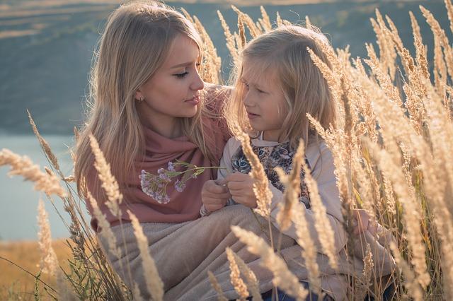 máma a dcera na poli