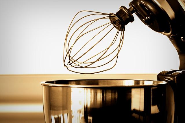 kuchyňský robot směšovač