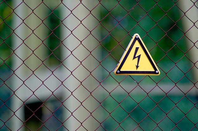 výstraha před elektrickým proudem