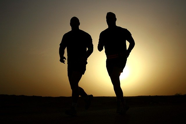 dva běžci